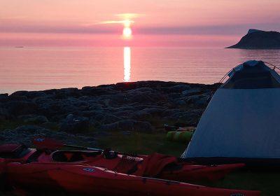 Midnight sun kayaking Tromso